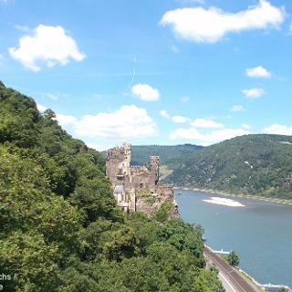 Blick auf Burg Rheinstein im Binger Wald