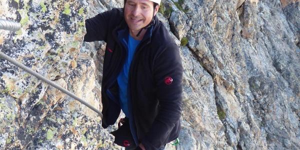 Im unteren teil des Klettersteigs