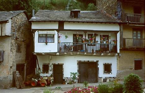 neues Haus bei Pereje
