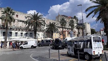 Die Südfront des Diokletianpalast von der Riva aus