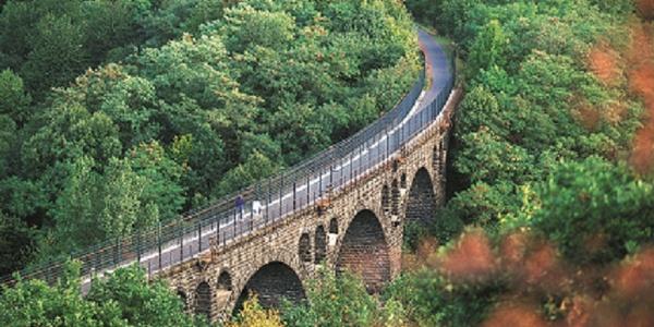 Maifeld-Radwanderweg_Viadukt, eines der markantesten Bauwerke von Polch in Richtung Mayen