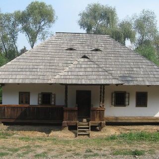 Nemţan House within the traditional household in Câmpulung Moldovenesc