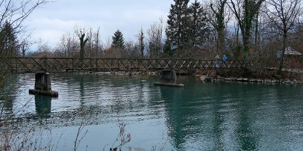 Brücke über die Aare bei Weissenau.