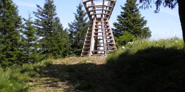 Kunstvoller Aussichtsturm beim Prodkopf