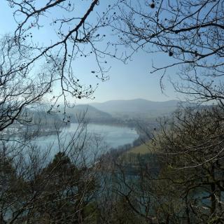 Ausblick vom Wanderweg auf den Diemelsee