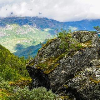 Mount Kvasshovden in Ulvik