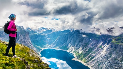 Views from the Trolltunga trail
