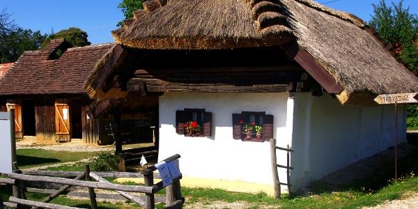 Fazekasház, Magyarszombatfa