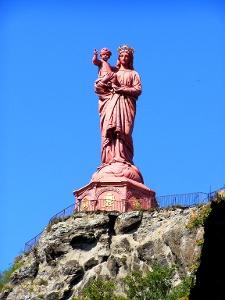 wir lassen die Statue Notre Dame zurück