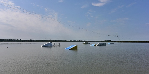 Venice Beach Cable Park a Velencei-tó partján