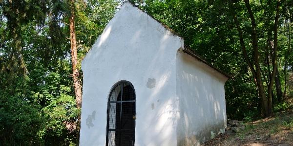 A zebegényi kálvária indító kápolnája