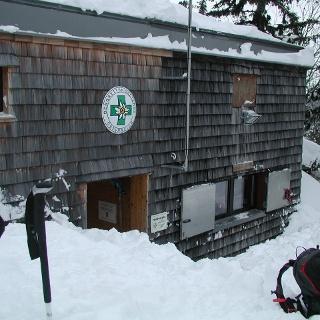 Krempelhütte, ganz schön viel Schnee zum Schaufeln