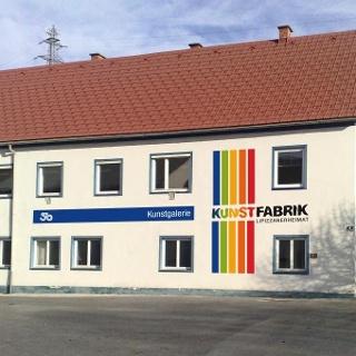 Außenansicht Kunstfabrik Lipizzanerheimat