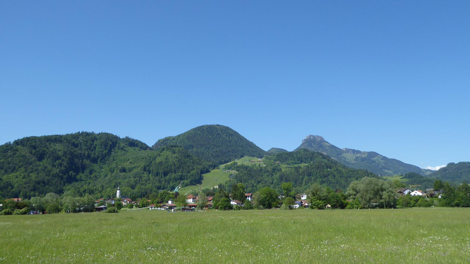 Ortsansicht Oberaudorf im Sommer