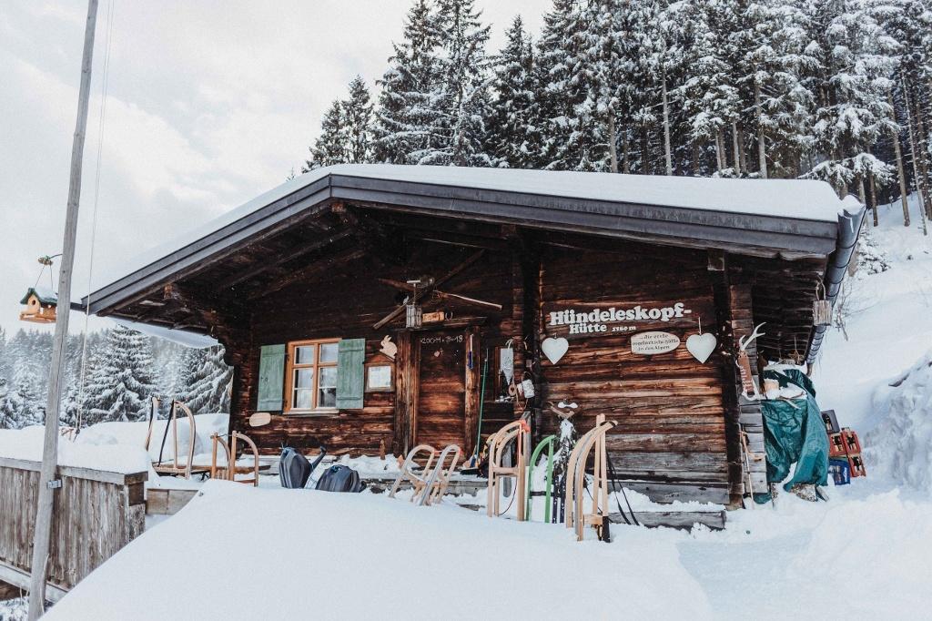 Hündeleskopfhütte im Winter - @ Autor: Julian Knacker - © Quelle: Vipasana Roy