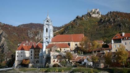 Dürnstein mit Ruine im Hintergrund