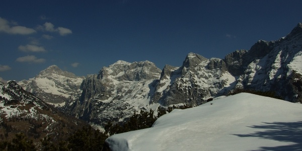 Čisti vrh s Triglavom in Kanjavcem v ozadju