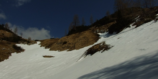 Potential avalanche area beneath the summit