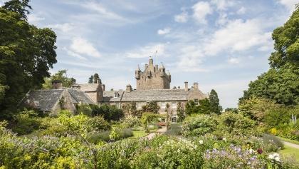 Cawdor Castle mit Schloßgarten