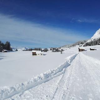 idyllische Winterwanderung
