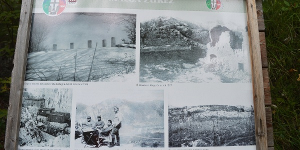 Bacheca a Malga Zures con informazioni sulla Grande Guerra