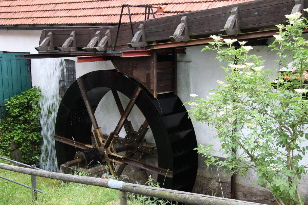 Mühlenrad an der Hammerschmiede (Andreas Klausmann)