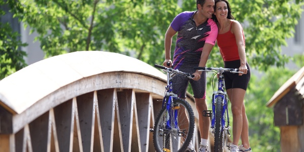 Radfahrer im Thermenpark Bad Blumau