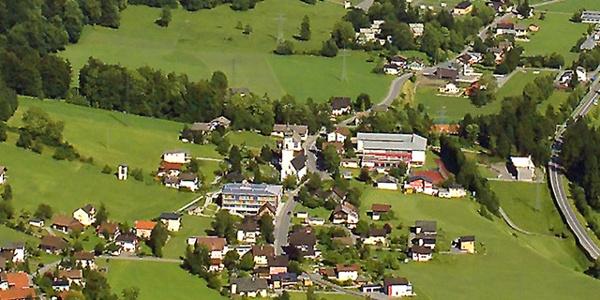 Pfarrkirche Hl. Nikolaus - Flugaufnahme