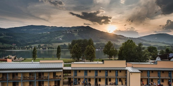 hotelansicht-jufa-hotel-stubenbergsee-seeblick-abe