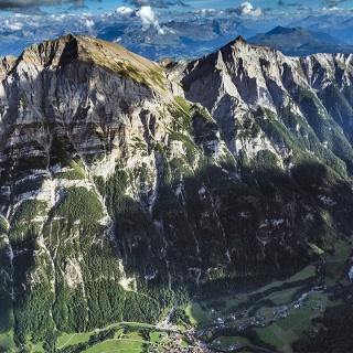Blick auf die Westwand des Calanda von Vättis