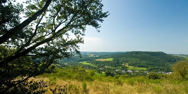 Fernblick vom Eifelsteig über das Gerolsteiner Land
