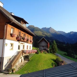 Lacknerhof im Seewigtal - Hausfoto im Sommer (2)