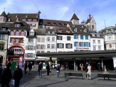 Barfüsserplatz Basel: Altstadt
