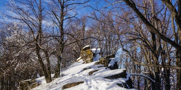 A Sas-kő sziklafala
