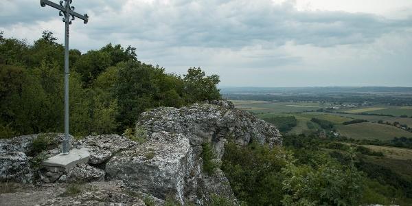 A mogyorósbányai Kőszikla édesvízi mészkő sziklái