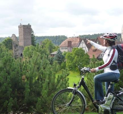 """E - Biketour """"Kultur Pur - Von der Burgruine zur Fachwerkstadt"""""""