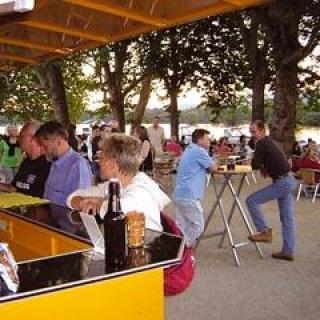 Wein- und Biergarten Inselrhein