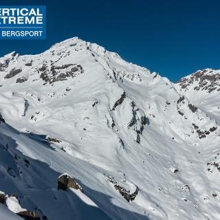 Muttekopf 2774m mit finaler Abfahrt über Bergrücken rechts vom Gipfel