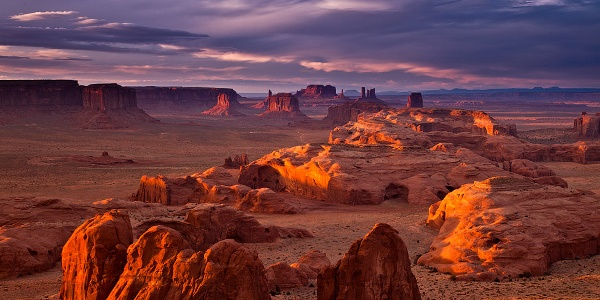 View into Monument Valley from Hunts Mesa
