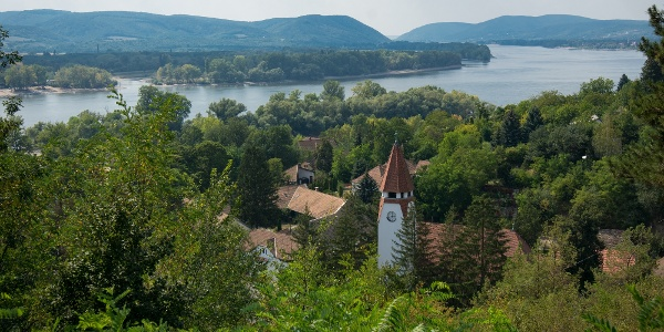 Kilátás a zebegényi Kálvária-dombról