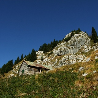 Hunting lodge on the Goričica Mountain pasture