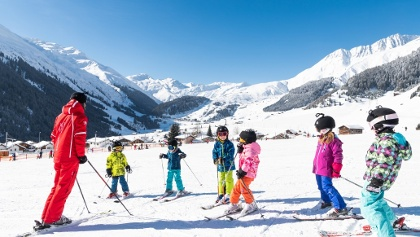 Skiunterricht im Valtgeva