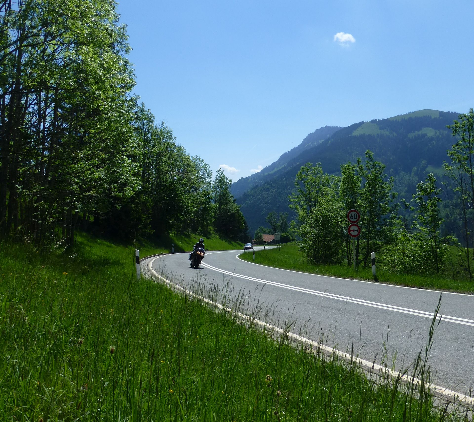 Deutsche Alpenstraße über das Sudelfeld bei Oberaudorf
