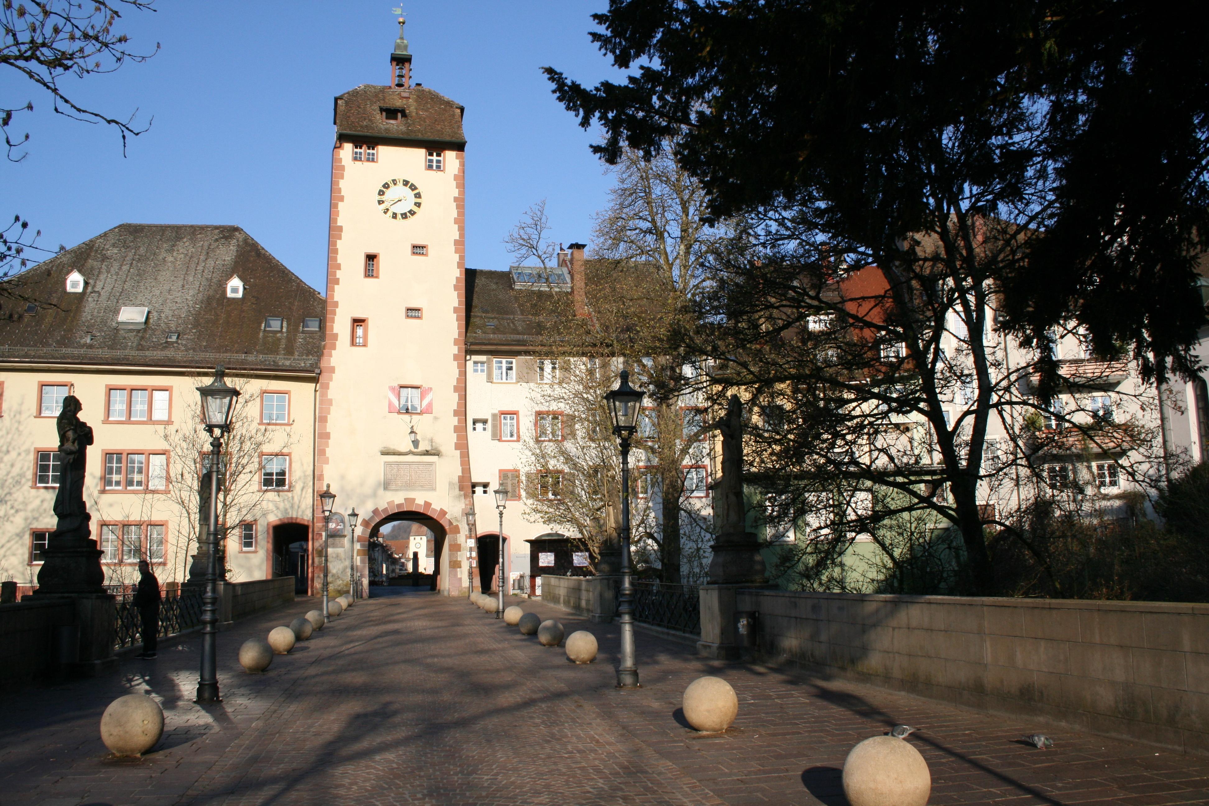 Mittelweg: das Obere Tor und die Seltenbachbrücke