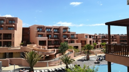 The courtyard of the hotel Sandos San Blas