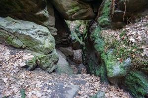 Foto Eines der Felsentore in den Teufelsschlüchten