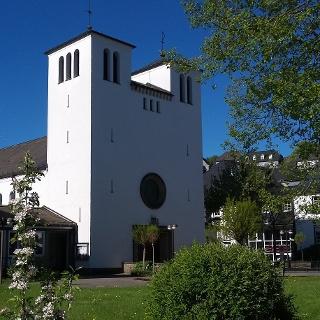 Katholische Kirche St. Marien in Bad Berleburg, Haupteingang