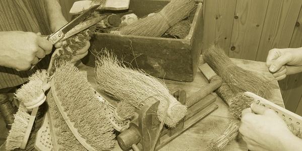 Bürstenfabrik damals