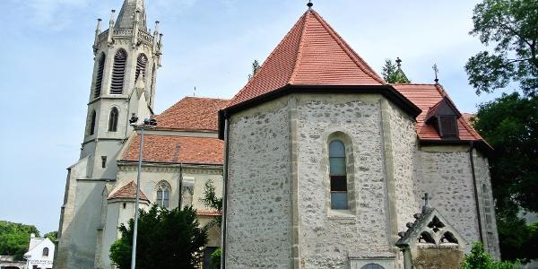 A soproni Szent Jakab-kápolna a Szent Mihály főangyal-templom mellett