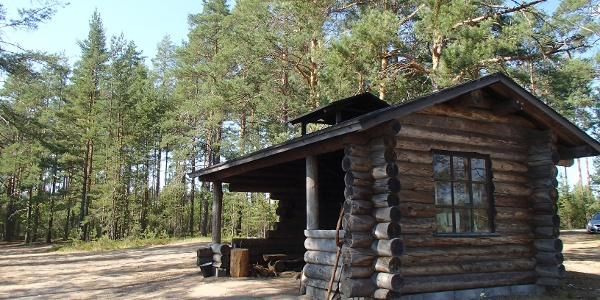 Mustaniemi lean-to shelter
